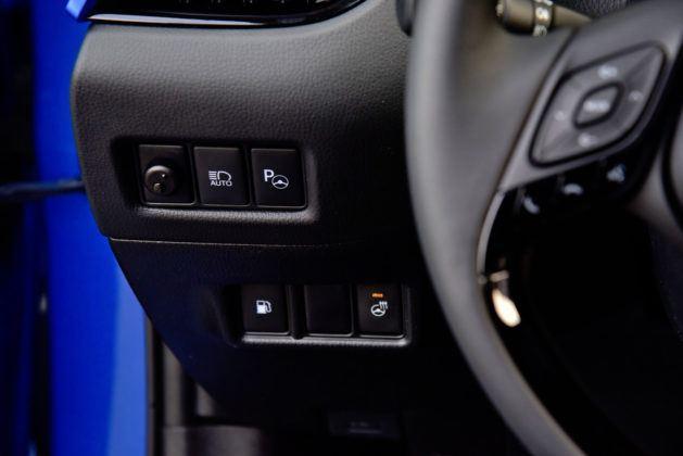 Toyota C-HR - włącznik dogrzewania silnika
