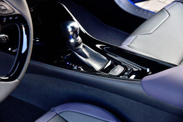 Toyota C-HR - wybierak automatycznej skrzyni biegów