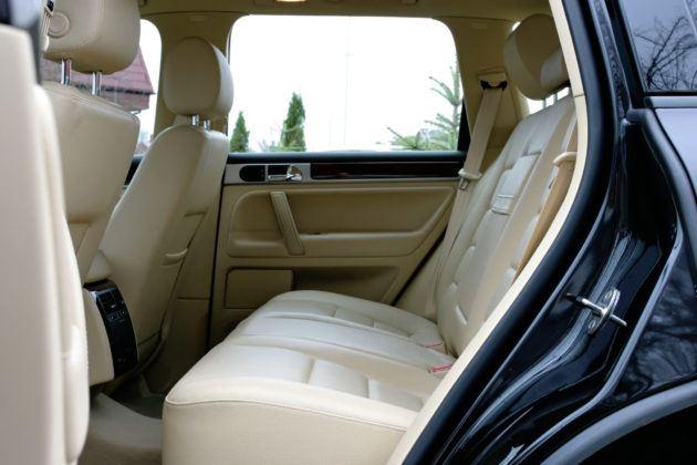 Volkswagen Touareg - tylna kanapa