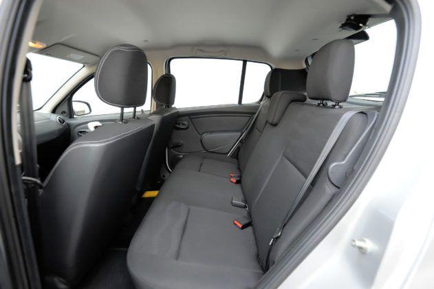 Dacia Sandero - tylna kanapa