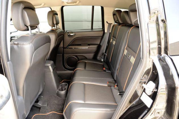 Jeep Compass - tylna kanapa