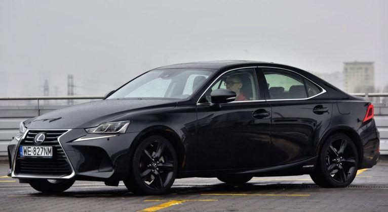 Klasa średnia - najlepszy - Lexus IS