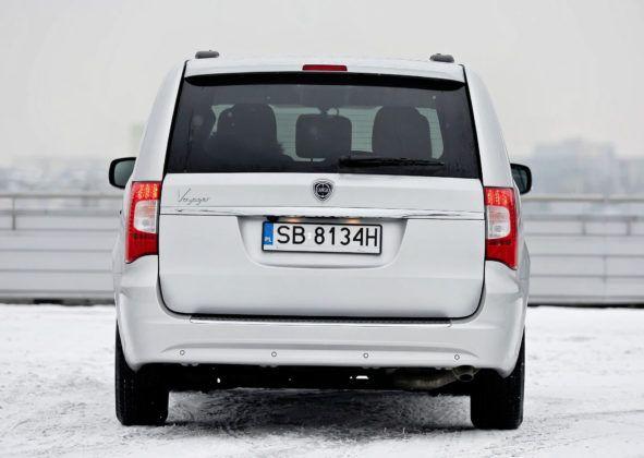 Lancia Voyager - tył