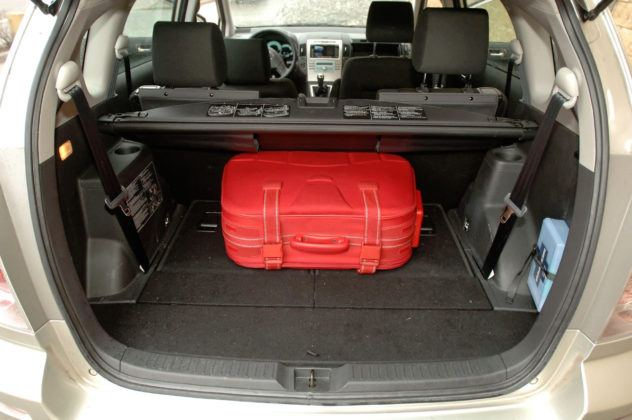 Toyota Corolla Verso - bagażnik