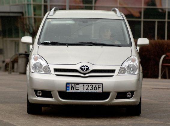 Toyota Corolla Verso - przód