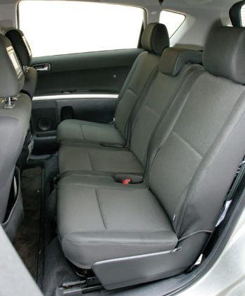 Toyota Corolla Verso - tylna kanapa