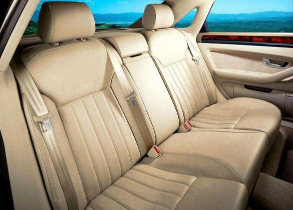 Audi A8 D3 - tylna kanapa