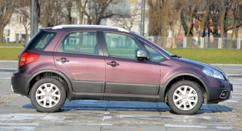 Fiat Sedici - bok