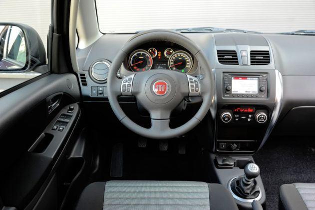Fiat Sedici - deska rozdzielcza