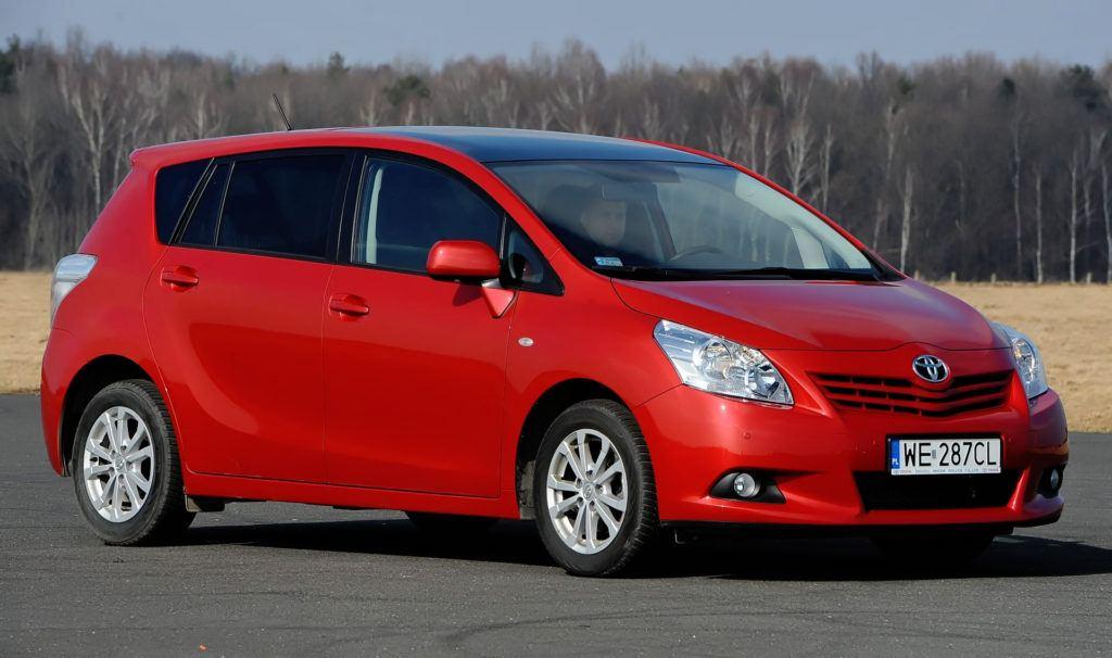 Minivany - trwałe - Toyota Verso