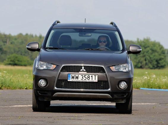 Mitsubishi Outlander - przód