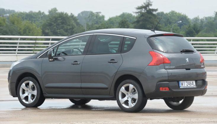 Peugeot 3008 - bok
