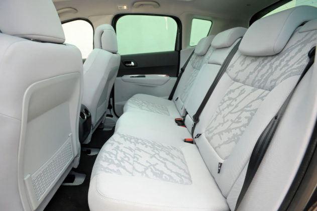 Peugeot 3008 - tylna kanapa