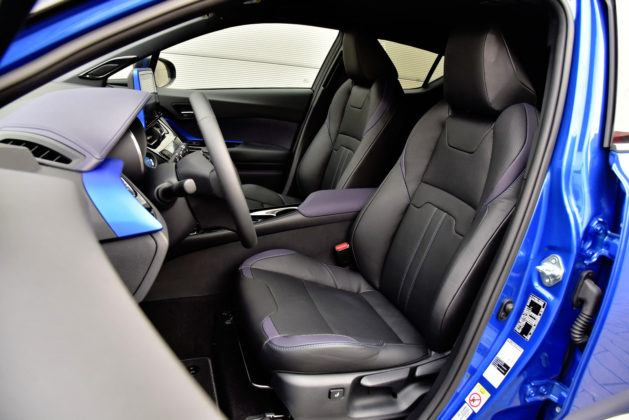 Toyota C-HR - fotel kierowcy_DxO