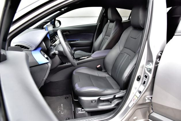 Toyota C-HR 1.2 Turbo - fotel kierowcy