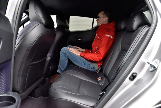 Toyota C-HR1.2 Turbo - tylna kanapa