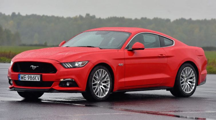 Auta sportowe - najgorszy - Ford Mustang