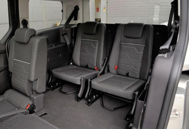 Ford Grand Tourneo Connect - 3. rząd