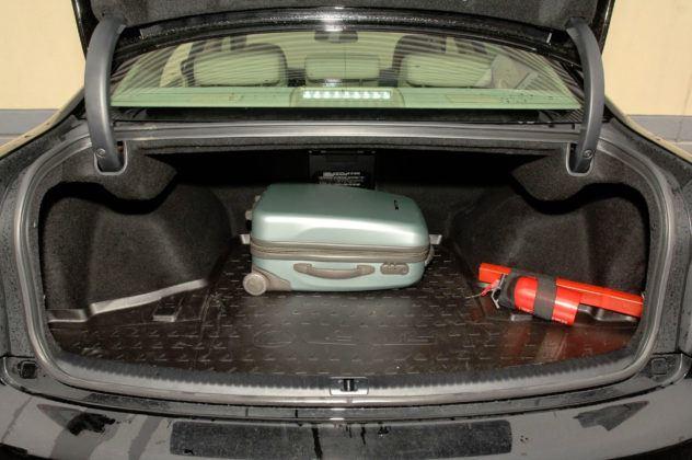 Lexus IS II - bagażnik