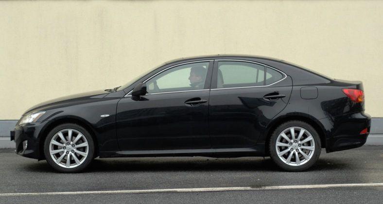 Lexus IS II - bok
