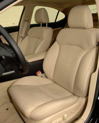 Lexus IS II - fotel kierowcy