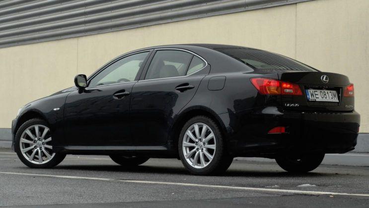 Lexus IS II - tył