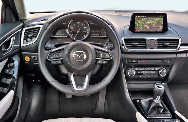 Mazda 3 - deska rozdzielcza