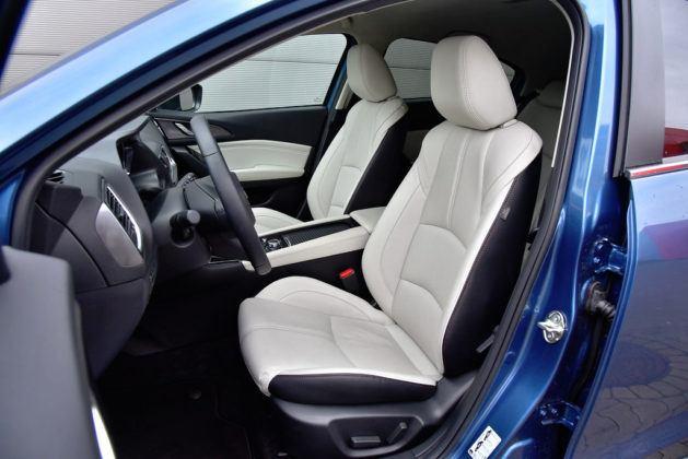 Mazda 3 - fotel kierowcy