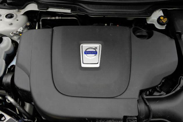 Volvo S40 - silnik