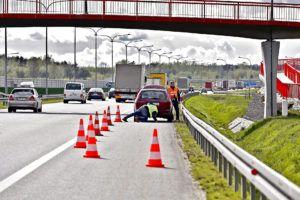 Zabezpieczenie samochodu na autostradzie