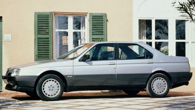 Alfa Romeo 164 - bok
