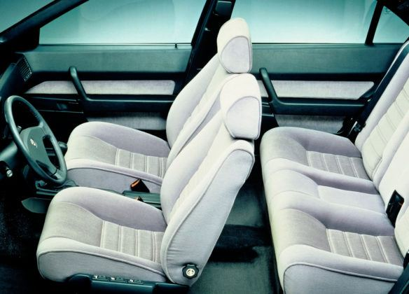Alfa Romeo 164 - wnętrze
