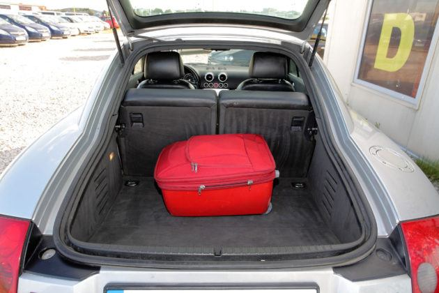 Audi TT I - bagażnik