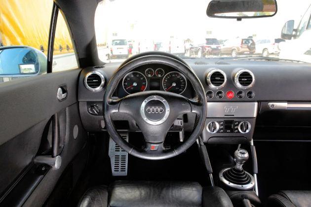 Audi TT I - deska rozdzielcza