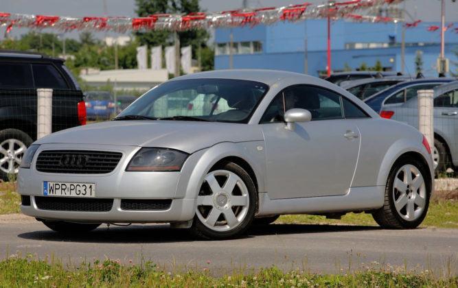 Audi TT I - przód
