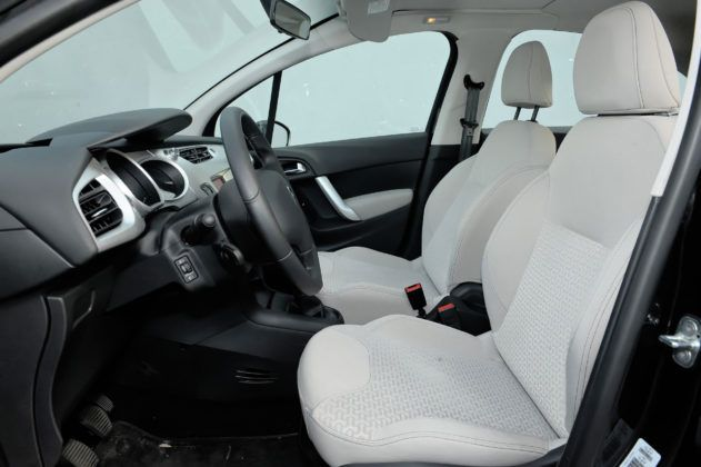 Citroen C3 II - fotel kierowcy