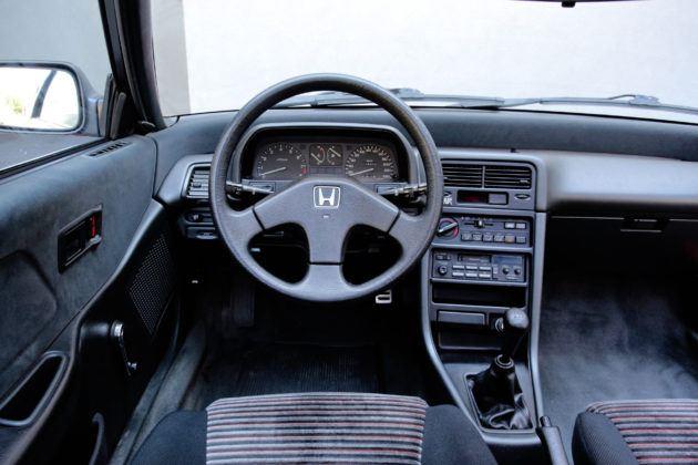 Honda CRX - deska rozdzielcza