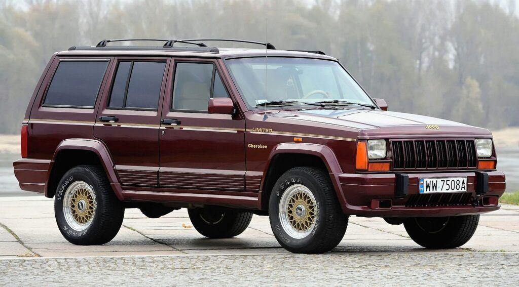 Jeep Cherokee XJ - sylwetka 2