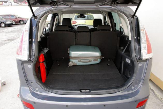 Mazda 5 - bagażnik