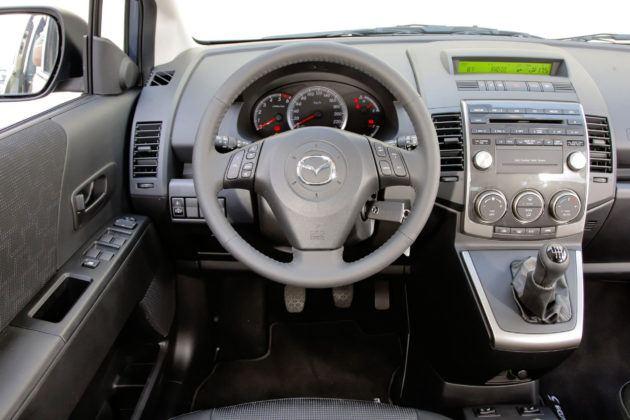 Mazda 5 - deska rozdzielcza
