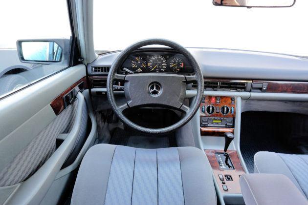 Mercedes Klasy S W126 - deska rozdzielcza