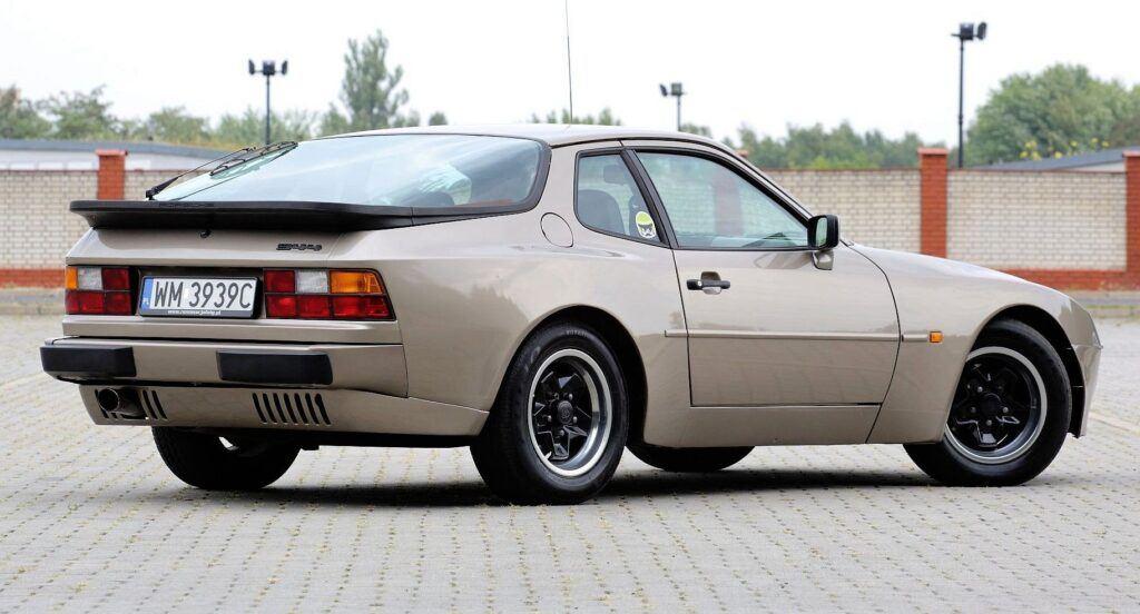 Porsche 944 - sylwetka 2