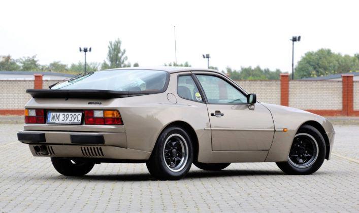 Porsche 944 - tył
