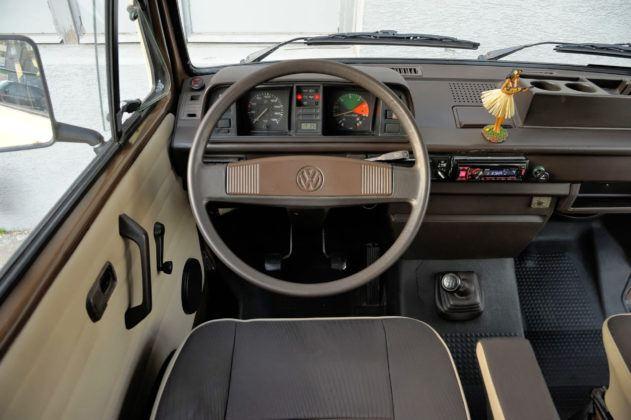 Volkswagen T3 kamper - deska rozdzielcza