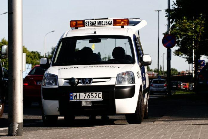 Samochód straży miejskiej