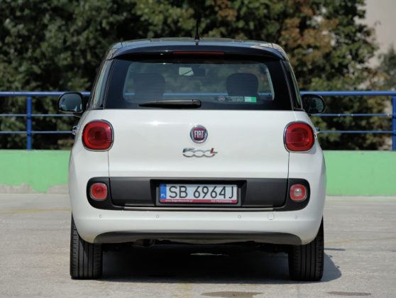 Fiat 500L - tył