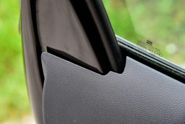Seat Ibiza - boczek drzwi (spasowanie)