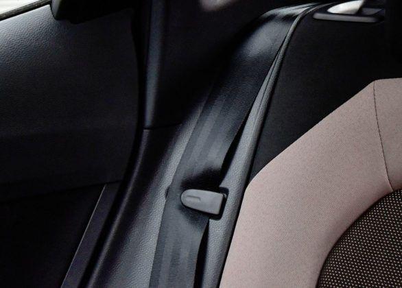 Seat Ibiza - mocowanie pasów