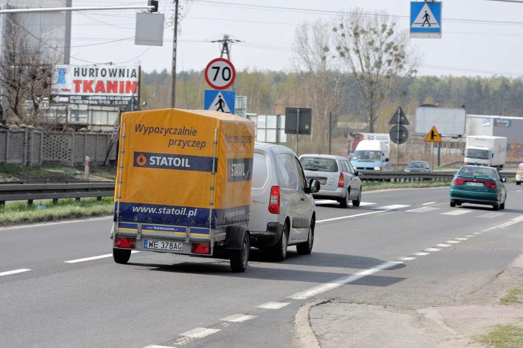 Ograniczenie szybkości dla pojazdu z przyczepą