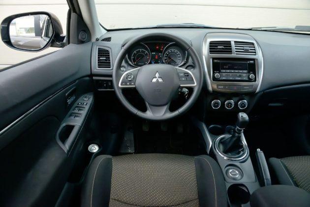 Mitsubishi ASX - deska rozdzielcza